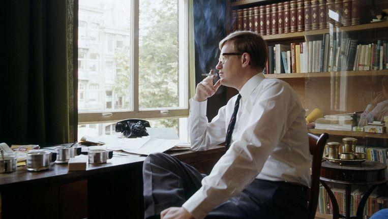 In zijn werkkamer, 1967. Beeld Wout van de Hoef/Spaarnestad