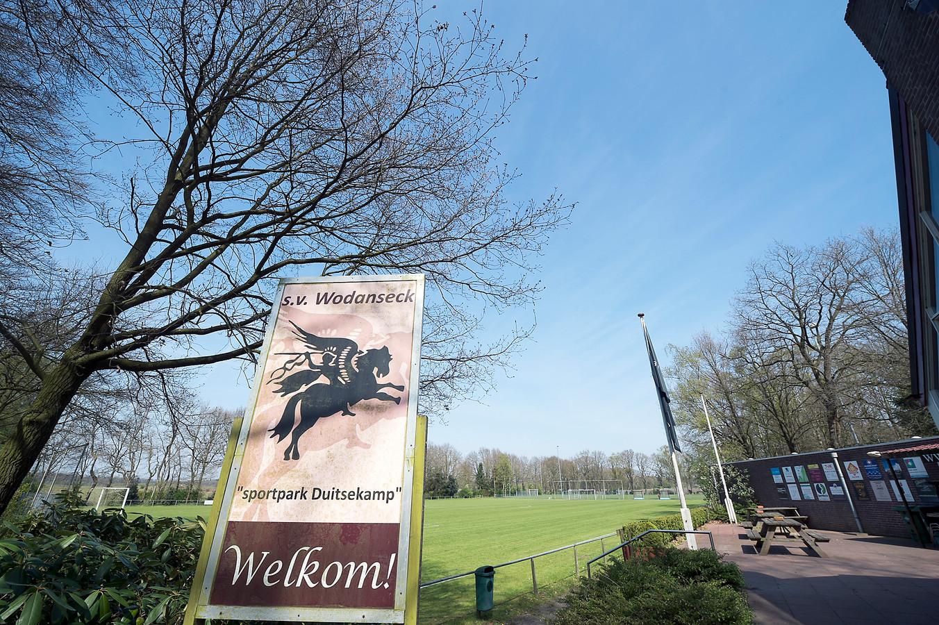 Wodanseck-DVOV: gestaakte vanwege invallende duisternis.