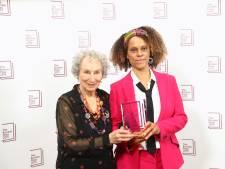 Atwood en Evaristo winnen beiden prestigieuze Booker Prize