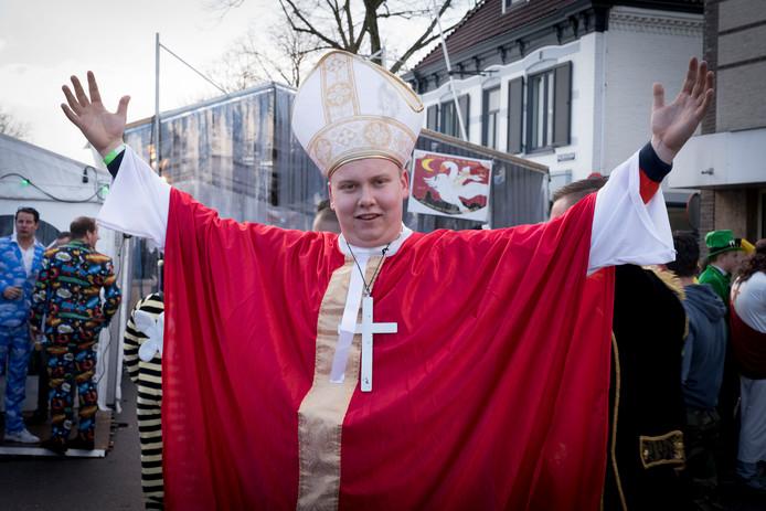 Paus Dave Brugmans (20) uit Elst.
