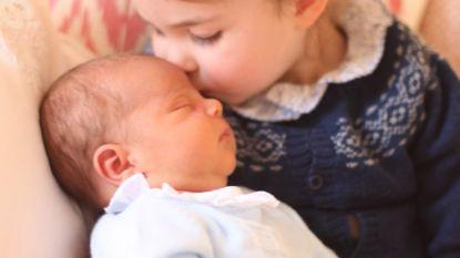 Vertederend: Kate deelt foto's van prins Louis en jarige Charlotte die broertje kust