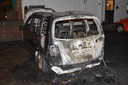 Aan de Rijnweg in Monster zijn in de nacht van maandag op dinsdag een personenauto en een bestelbusje uitgebrand.
