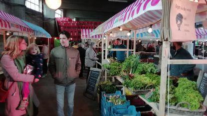 Vroegere loods van drankenhandel wordt boerenmarkt De Fermerie met verse producten