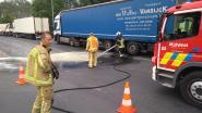 Brandweer ruimt groenteafval op aan inrit van tankstation langs E403