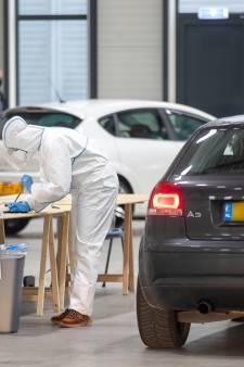 Zorgen in Veenendaal over piek aan besmettingen, handhavers delen nog geen boetes uit