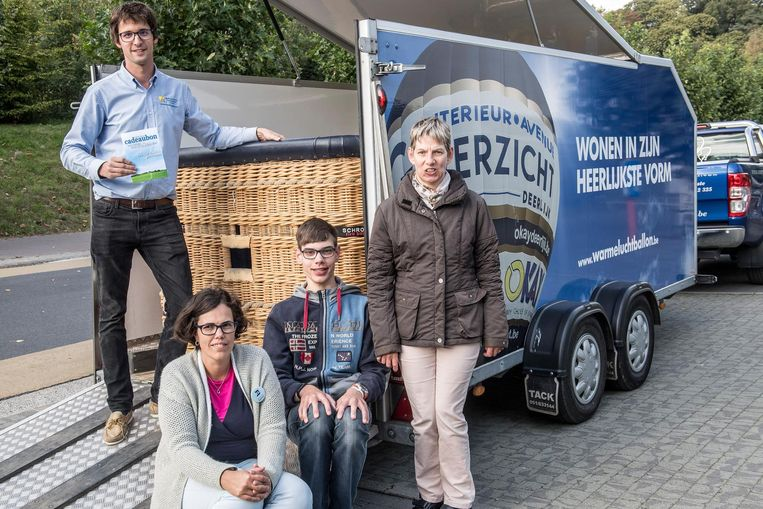 Hendrik Deleu, Annabel Deneckere en ballonvaarders in spe Ken Buyse en Ann Dekyvere.