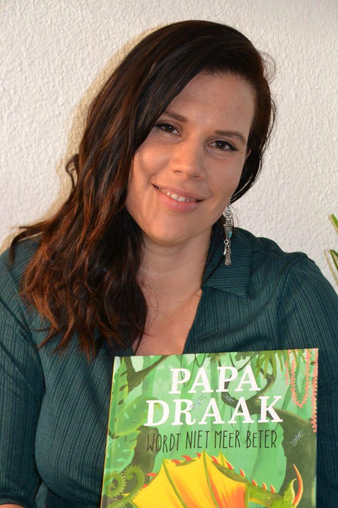 De Bilthovense Sascha Groen bracht een troostboek uit voor kinderen: Papa draak wordt niet meer beter.