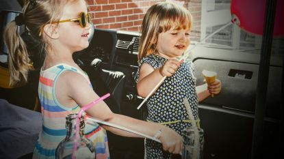 Naar school op eerste dag van zomervakantie: benefiet voor meisje (3) met hersenletsel enorm succes