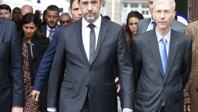 "Franse minister erkent ""fouten"" in opvolging mogelijks geradicaliseerde dader steekpartij Parijs"