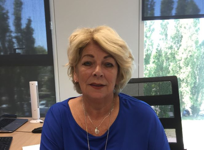Annette van den Berg zit al veertig jaar in het secretaressevak.
