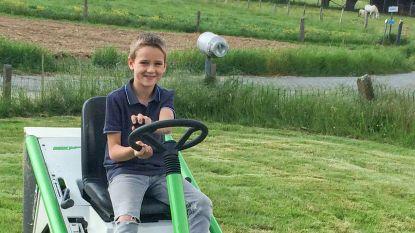 """""""Op de verkeerde plaats op het verkeerde moment"""": Sebbe (10) sterft bij ongeval met tractor tijdens vakantie met grootouders"""