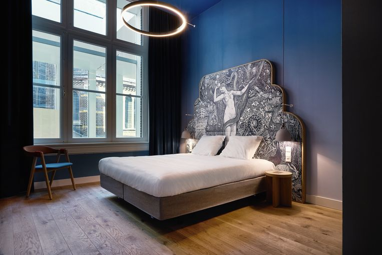 'Blue Virgin'-kamer in Hotel Mariënhage. Beeld null