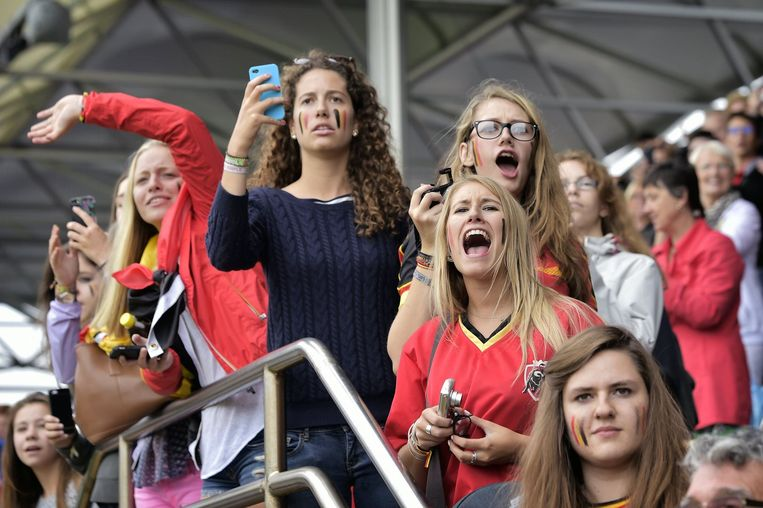 Rawberry Group voorziet accenten om vrouwen naar hun voetbaldorp te lokken.