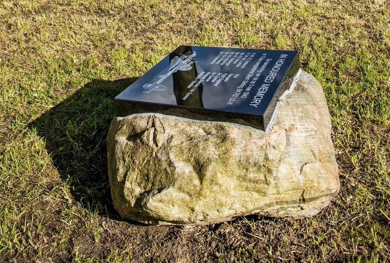 Herdenkingsmonument voor de bemanning van een Engelse bommenwerper in 't Goy. Beeld null