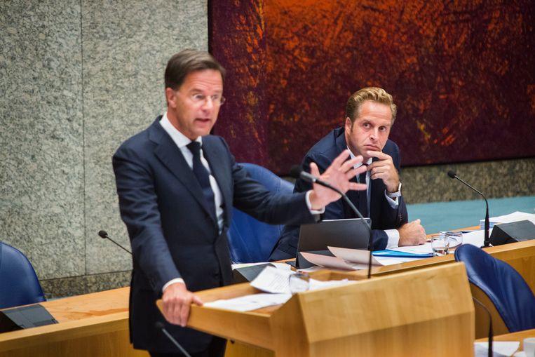 Premier Mark Rutte en minister van Volksgezondheid, Welzijn en Sport Hugo de Jonge. Beeld Arie Kievit