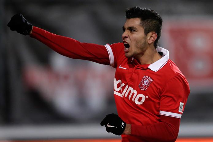 FC Twente sloot een nieuwe lening af om de manager van Jesus Corona 3,5 miljoen te kunnen uitbetalen waar hij nog recht op had.