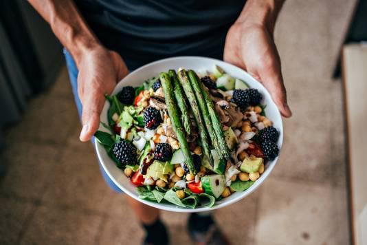 Veel groenten en weinig bewerkt voedsel: er zitten goede elementen in het paleodieet.