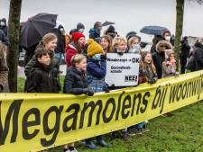 Urenlange inspraak tegen windmolens: 'Niet op 350 meter van mijn kinderen'