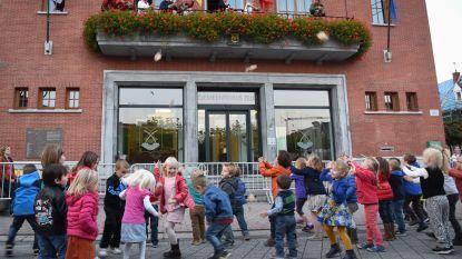 Oktoberkermis met jeugdkloddeworp, jaarmarkt en vuurwerk