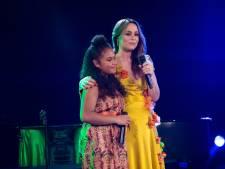 Trijntje en Yosina (12) vragen met duet aandacht voor kinderpardon