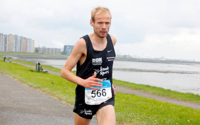 Erwin Harmes liep ook in de eerste stratenloop van dit jaar in Zoutelande naar de overwinning.