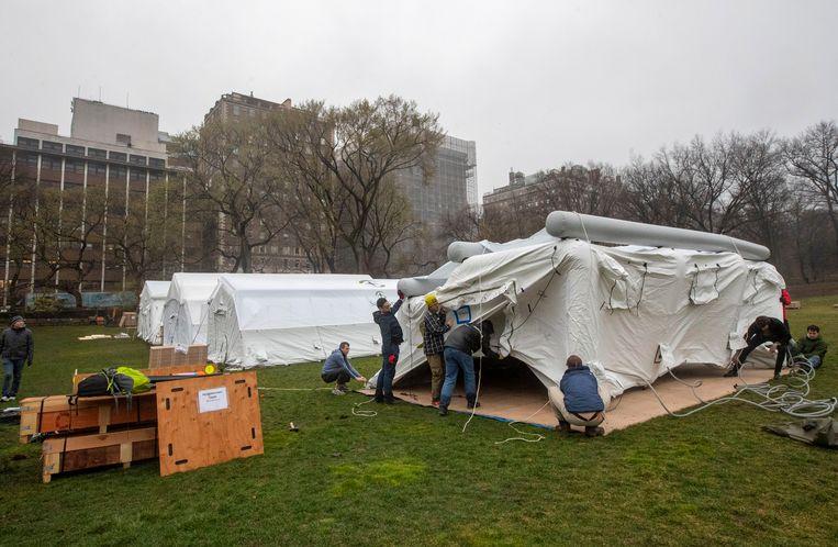 Een noodhospitaal in Central Park, New York.  Beeld AP