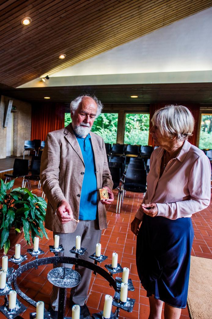 Wim Weren en Ria Schoenmakers geven een boek uit over 50 jaar Levenskerk.