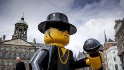 Lego-beeld André Hazes al na zes dagen onthoofd