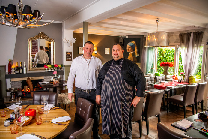Eigenaar Erik Dijkstra en chef-kok Rane Hoogenboom van Jettiez.