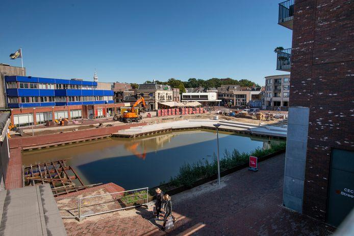 De nieuwe havenkom in het centrum van Almelo. Koray K. greep november vorig jaar een kind vast en gooide het in het water.