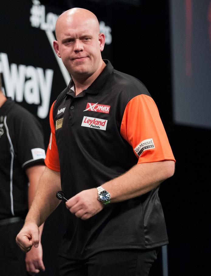Michael van Gerwen tijdens de World Cup Darts in Frankfurt.