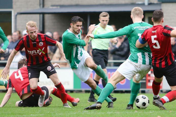 Het aantal toeschouwers bij de grootste Nijverdalse derby tussen SVVN en DES blijft dit seizoen vanwege alle coronamaatregelen beperkt tot 250.