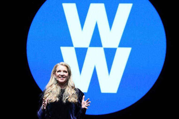 CEO Mindy Grossman tijdens haar speech over het nieuwe logo en de nieuwe filosofie van WW.
