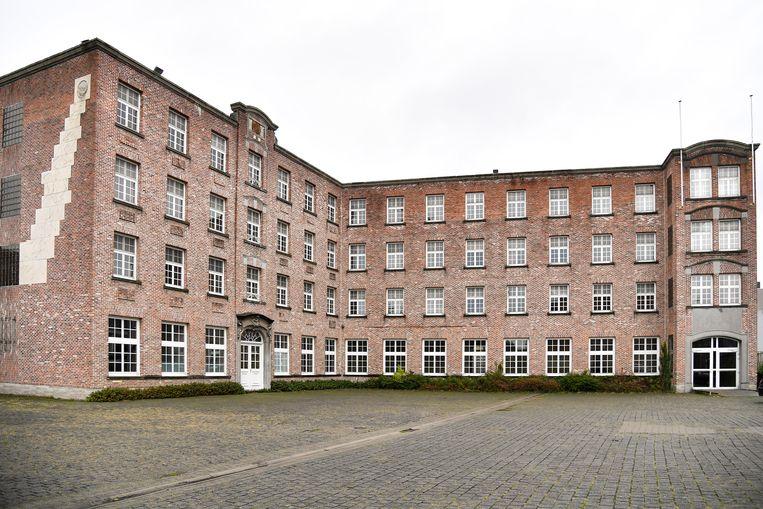De Abdijschool heeft jarenlang het stadszicht gedomineerd, maar verdwijnt onder de sloophamer.