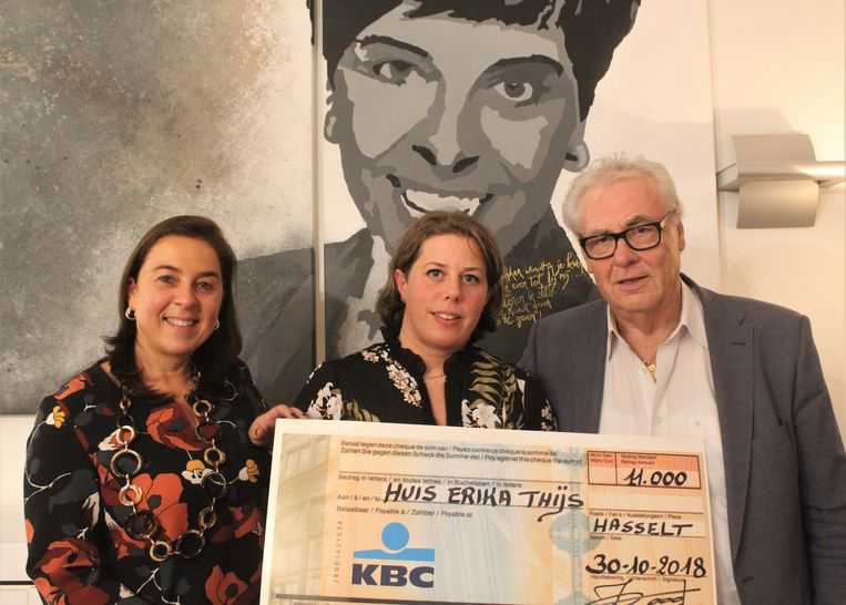 Auteur Jos Roofthooft bundelde 120 moppen. Die leverden 11.000 euro op voor het 'Huis van Erika Thijs' voor mensen met kanker.