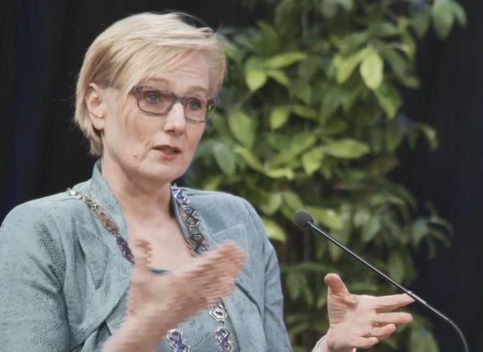 Burgemeester Marianne Besselink tijdens de online nieuwjaarsreceptie van de gemeente Bronckhorst.