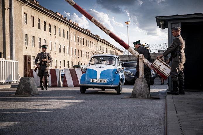 BMW heeft een film uitgebracht over een ontsnapping uit Oost-Berlijn