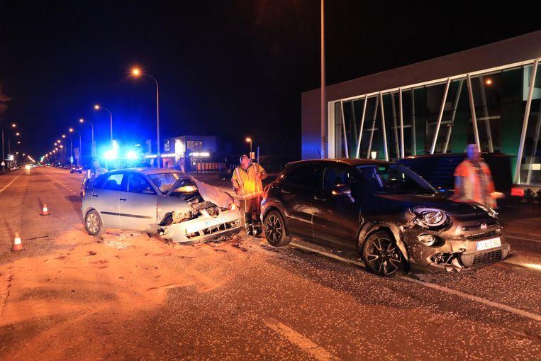 Zowel de Fiat als Seat raakten zwaar beschadigd.