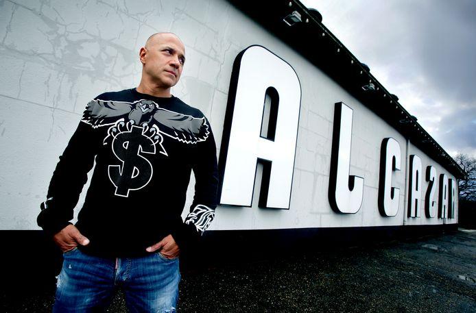 DJ Paul Elstak keert terug in Alcazar op 31 juli als hoofdgast bij de dinnershow.