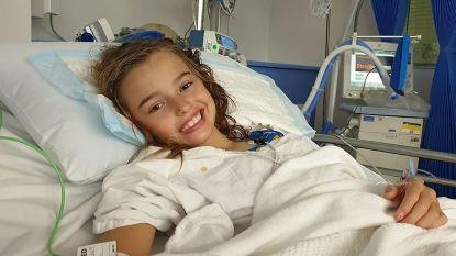 """""""Ze is wakker, spreekt en lacht"""": Milli (12) herstelt van gevaarlijke hersenoperatie door vermaarde chirurg"""