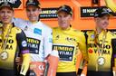 Tony Martin, Wout Van Aert, Mike Teunissen en Steven Kruijswijk na de gewonnen ploegentijdrit.