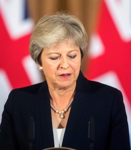 'May onderzoekt verkiezingen in november'