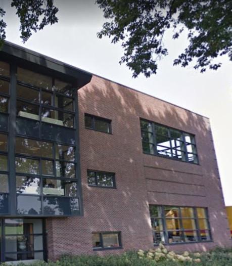 Buurman wil einde aan parkeerterrein van machinefabriek: 'Ik wil hier rustig wonen'