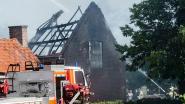 Stal vol stro en werkmateriaal uitgebrand op landbouwbedrijf: geen slachtoffers