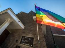 Regenboogvlag wappert donderdag bij ouderentoernooi in Erve Asito