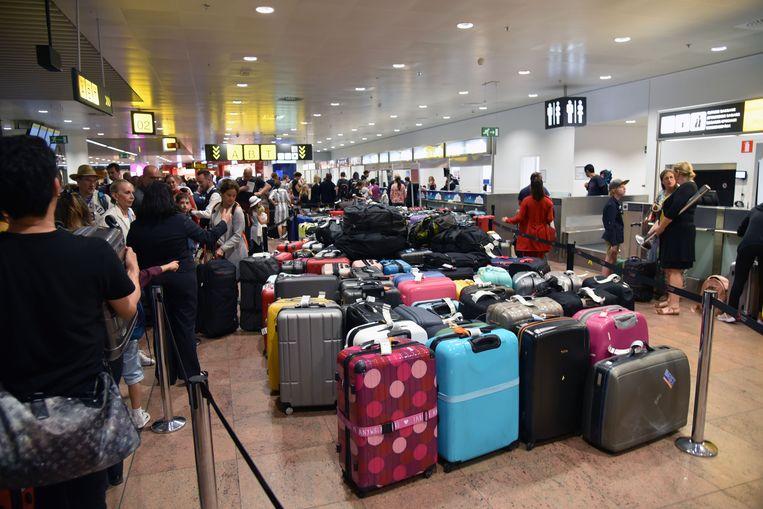 Op Zaventem bleven afgelopen weekend ruim 10.000 koffers achter.