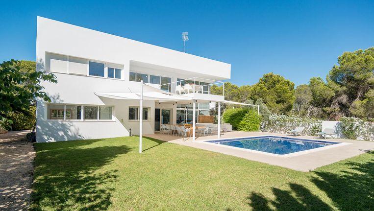 Video: deze minimalistische villa op ibiza is het aanvullend