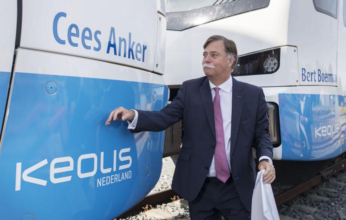 Cees Anker bij 'zijn' trein.