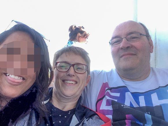 Yamilette met mama Katleen Van Wassenhoven en papa Marc Vanhassel.