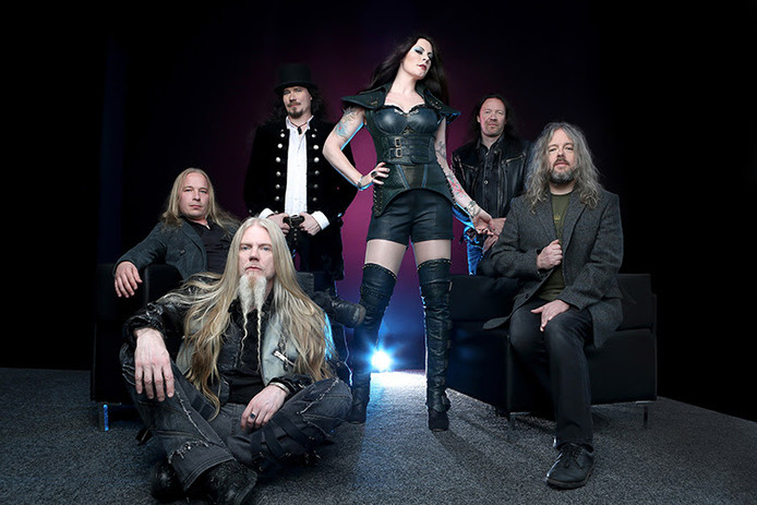De Finse metalband Nightwish, met Floor Jansen in de gelederen.